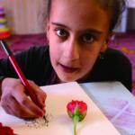 バラを描くイマーンちゃん Nanakaly Hospital,Arabil Iraq